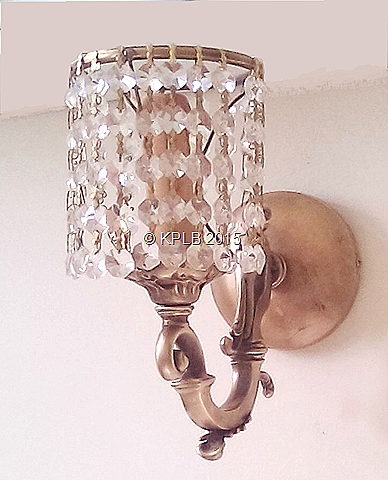 Wall-sconce-crystal-square-arm