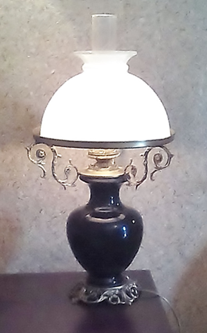 Porcelain-table-lamp-opal-glass